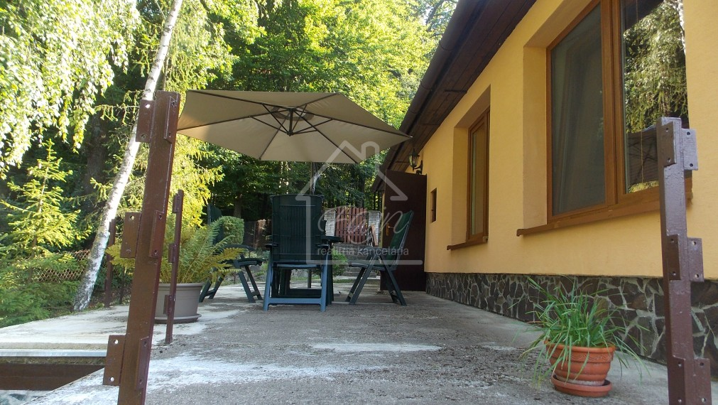 Chata v krásnom prostredí pod lesom, 6 árový pozemok, Nižný Klátov