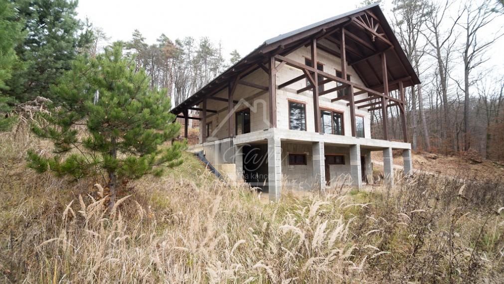 rodinný dom na predaj Nižný Klátov, 15 árový pozemok