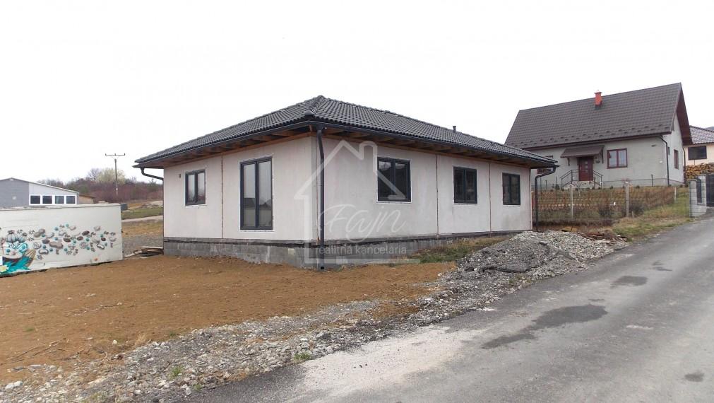 novostavba nízkoenergetický rodinný dom Bidovce